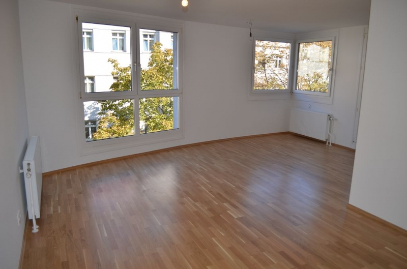 ERSTBEZUG! LEYSTRASSE; sonnige 80 m2 Neubau mit 6 m2 Loggia,