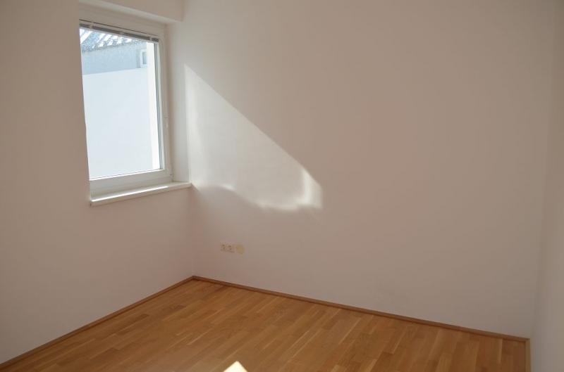 gbild -- ST. PÖLTEN! WIDERINSTRASSE, sonnige 70 m2 Neubau mit 9 m2 Loggia, 3 Zimmer, Komplettküche, Wannenbad, Parketten /  / 3100St. Pölten / Bild 5