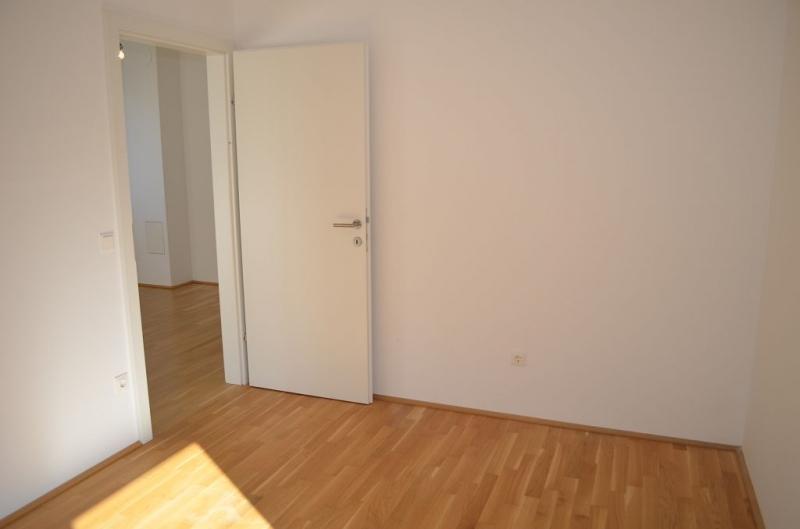 gbild -- ST. PÖLTEN! WIDERINSTRASSE, sonnige 70 m2 Neubau mit 9 m2 Loggia, 3 Zimmer, Komplettküche, Wannenbad, Parketten /  / 3100St. Pölten / Bild 6