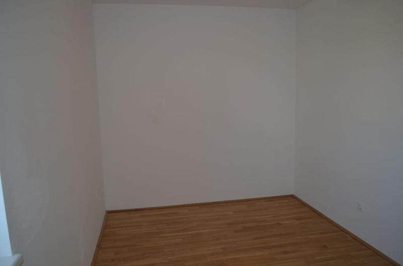 gbild -- ST. PÖLTEN! WIDERINSTRASSE, sonnige 70 m2 Neubau mit 9 m2 Loggia, 3 Zimmer, Komplettküche, Wannenbad, Parketten /  / 3100St. Pölten / Bild 8