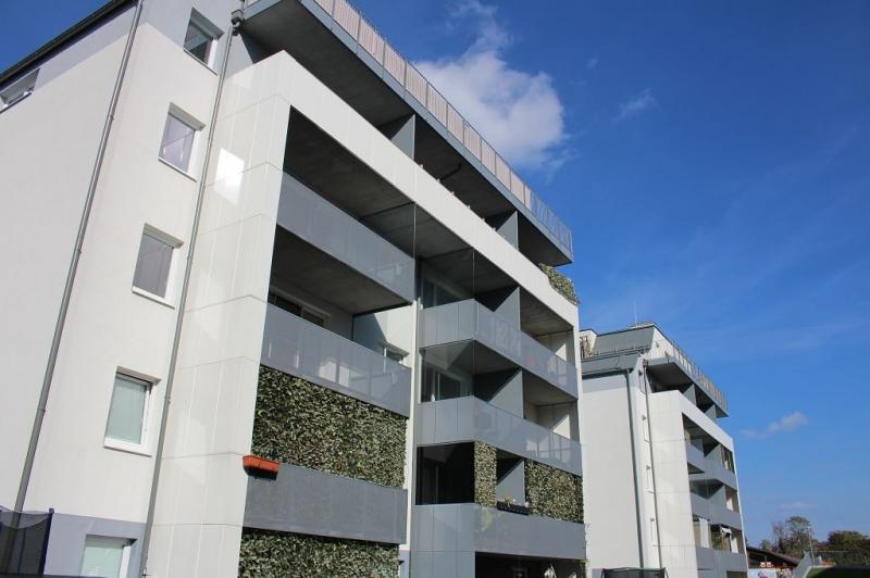 ST. PÖLTEN! WIDERINSTRASSE, topgepflegte 70 m2 Neubau mit 10 m2 Loggia, 3 Zimmer, Komplettküche, Wannenbad, Parketten