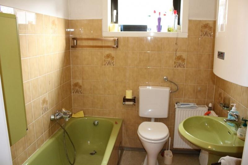 jpgcnt ---- 3430 TULLN AN DER DONAU! sanierungsbedürftiges ca. 95 m2 Einfamilienhaus mit Garage und  899 m2 Gesamtgrund in herrlicher Grünruhelage, 3 Zimmer, Wohnküche, Vollkeller,  /  / 3430Tulln an der Donau / Bild 2
