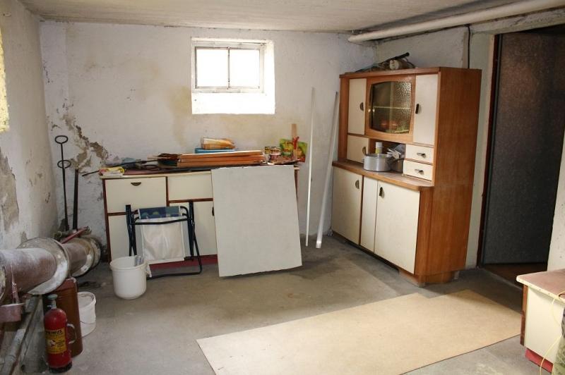 jpgcnt ---- 3430 TULLN AN DER DONAU! sanierungsbedürftiges ca. 95 m2 Einfamilienhaus mit Garage und  899 m2 Gesamtgrund in herrlicher Grünruhelage, 3 Zimmer, Wohnküche, Vollkeller,  /  / 3430Tulln an der Donau / Bild 6