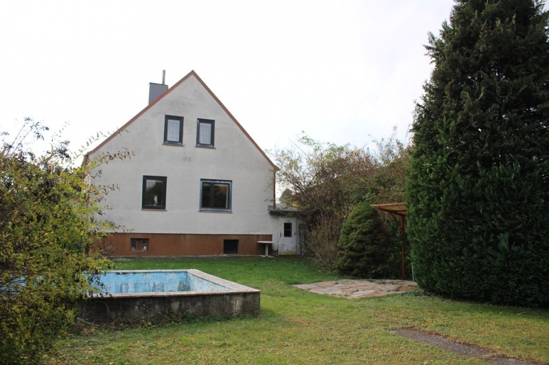 gbild -- 3430 TULLN AN DER DONAU! sanierungsbedürftiges ca. 95 m2 Einfamilienhaus mit Garage und  899 m2 Gesamtgrund in herrlicher Grünruhelage, 3 Zimmer, Wohnküche, Vollkeller,  /  / 3430Tulln an der Donau / Bild 7