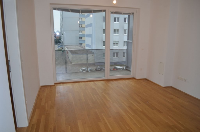 SANKT PÖLTEN! WIDERINSTRASSE! sonnige 70 m2 Neubau inklusive 10 m2 Loggia, 3 Zimmer, Komplettküche, Wannenbad, Parketten;