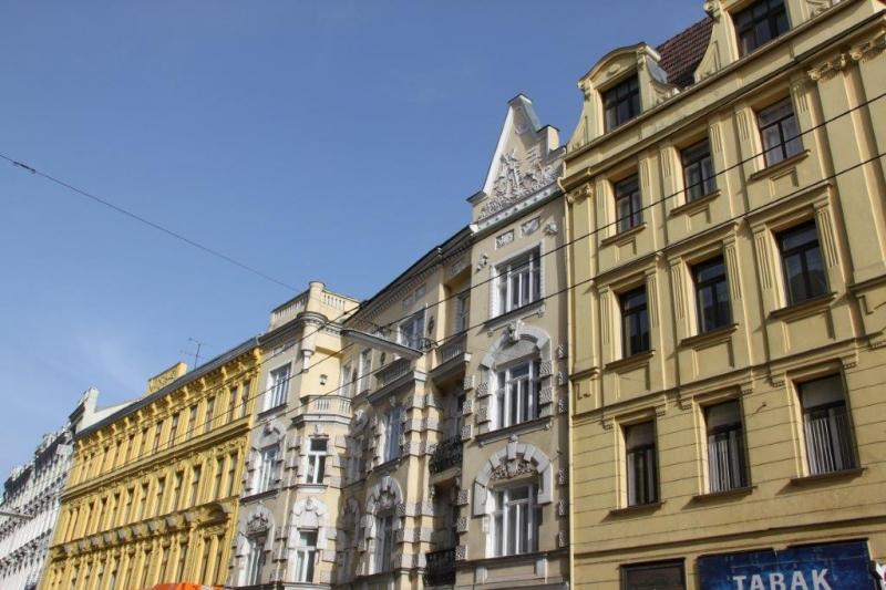 WÄHRINGER STRASSE! Aumannplatz-Nähe, unbefristete 106 m2 Altbau, 4 Zimmer, 3er-WG-geeignet, Extraküche, Wannenbad, Parketten,