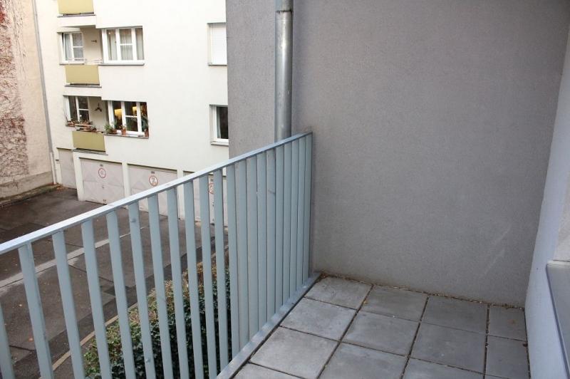 gbild -- HALBGASSE! TOPGEPFLEGTE 54 m2 NEUBAU MIT 5 m2 LOGGIA; 2 Zimmer, Kochnische, Wannenbad, Parketten;   /  / 1070Wien / Bild 4