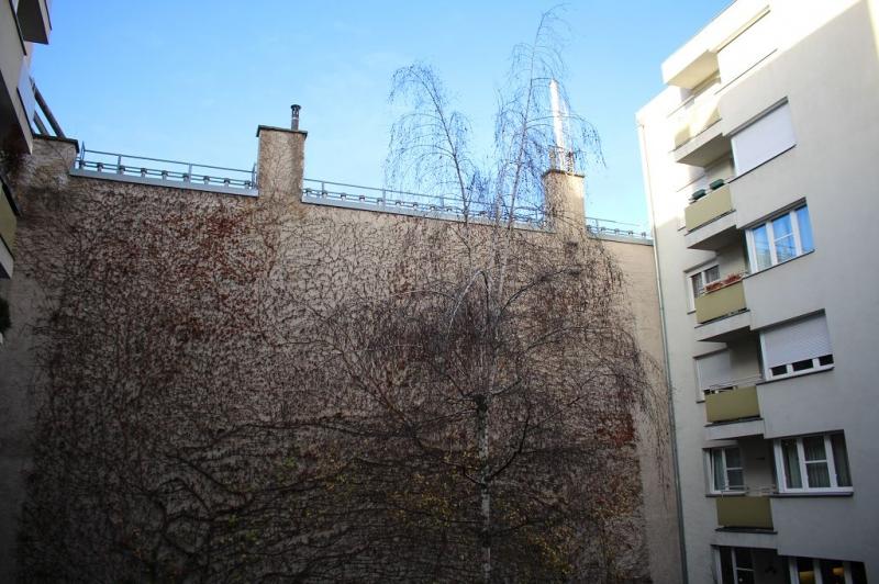 gbild -- HALBGASSE! TOPGEPFLEGTE 54 m2 NEUBAU MIT 5 m2 LOGGIA; 2 Zimmer, Kochnische, Wannenbad, Parketten;   /  / 1070Wien / Bild 7
