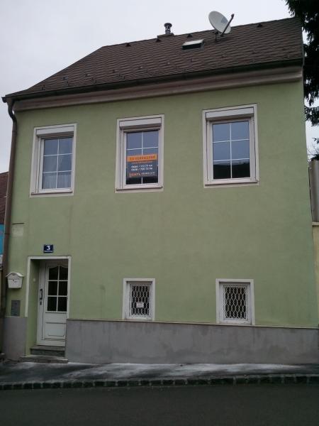 gbild -- Mietwohnung 1 Zimmer, Nebenräume- max. 2 Personen /  / 2410Hainburg an der Donau / Bild 0