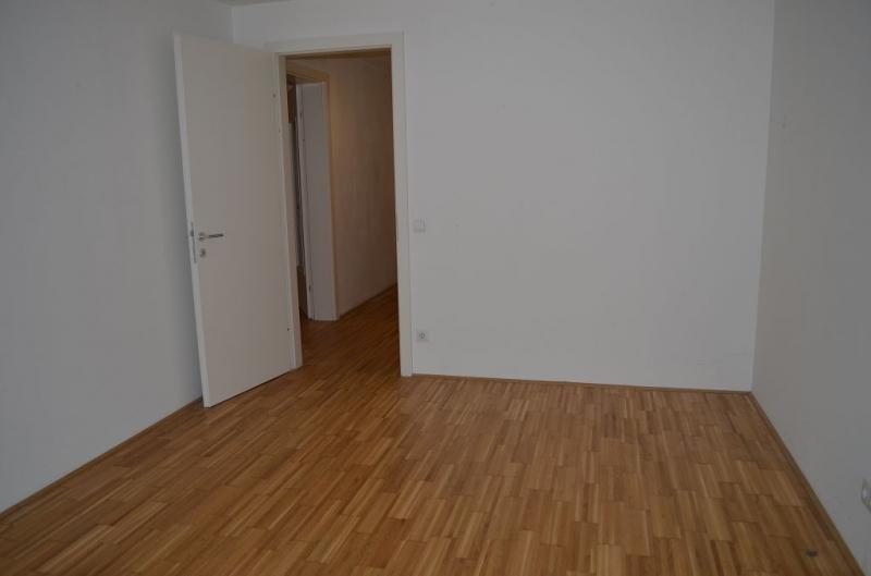 gbild -- BONYGASSE - HILSCHERGASSE! U6-NÄHE, UNBEFRISTETE 80 ALTBAU, 2 Zimmer, Kochnische, Wannenbad, Parketten; Ruhelage;  /  / 1120Wien / Bild 7