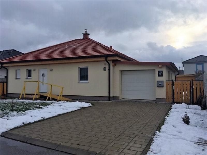 gbild -- Auf einer Ebene wohnen - Bungalow mit Garage /  / 2425Nickelsdorf / Bild 0