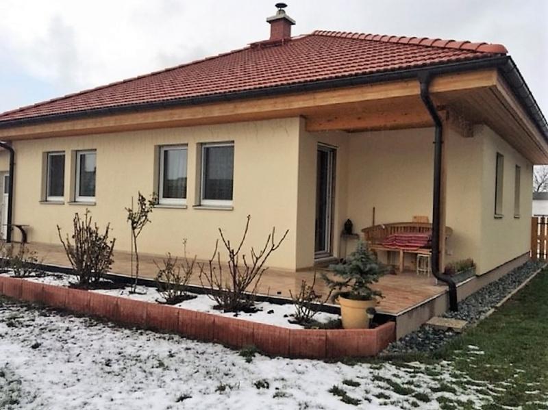 gbild -- Auf einer Ebene wohnen - Bungalow mit Garage /  / 2425Nickelsdorf / Bild 1