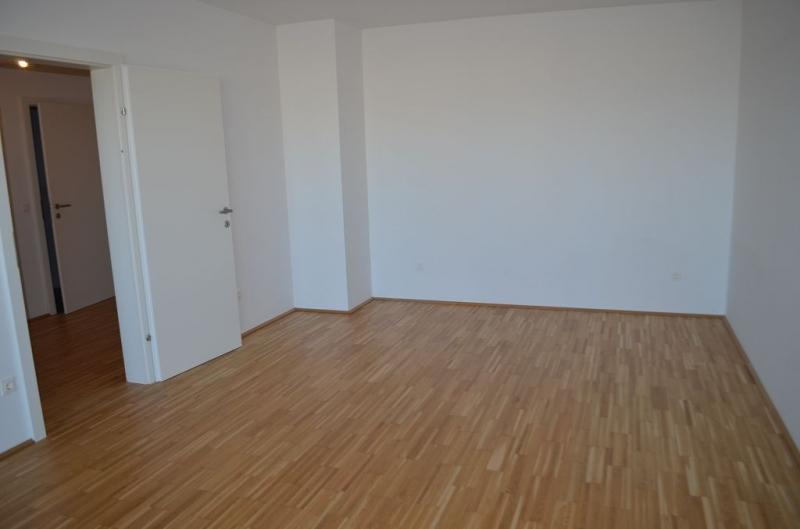 gbild -- LEYSTRASSE; topgepflegte 61 m2 Neubau mit 6 m2 Balkon, 2 Zimmer, Komplettküche; Wannenbad, Parketten; Garagenplatz möglich /  / 1020Wien / Bild 3