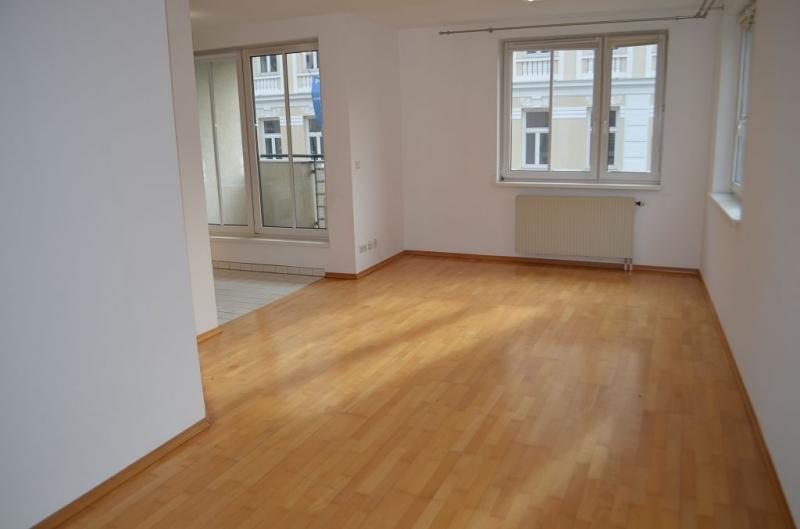 FERROGASSE - COTTAGEVIERTEL; sonnige 64 m2 Neubau inklusive 3 m2 Loggia, 3 Zimmer, Kochnische, Wannenbad; Ruhelage;