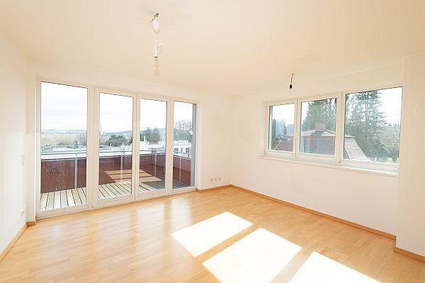 Eigentumswohnung mit 4 Zimmern & Balkon, Top4