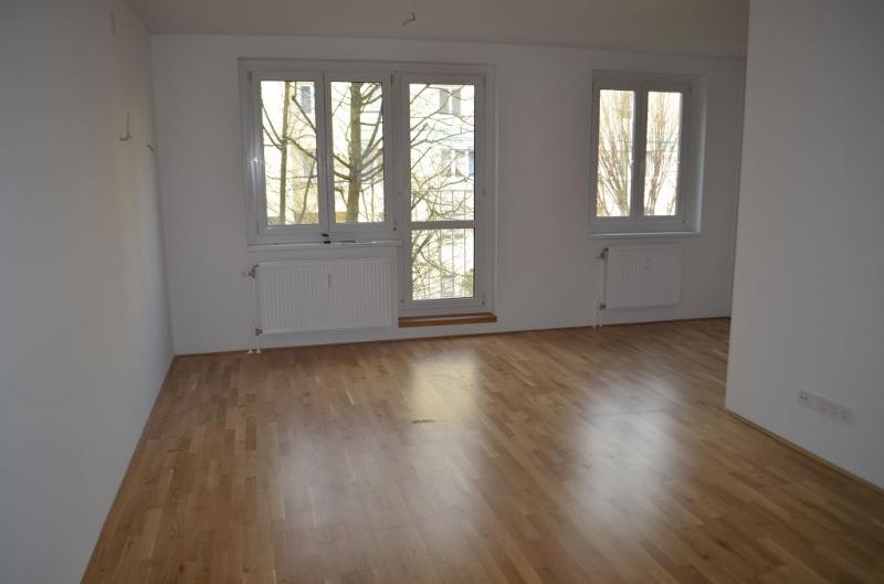 ERSTBEZUG! DEGENGASSE! unbefristete 85 m2 Neubau, 3 Zimmer, 2er-WG-geeignet, Wannenbad, Parketten;