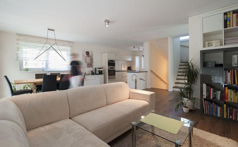 Geräumiges Einfamilienhaus mit Vollunterkellerung und Eigengrund samt 2 Parkplätzen. Provisionsfrei! /  / 2325Himberg - Velm / Bild 1