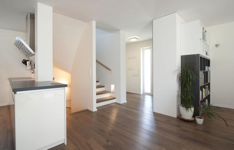 Geräumiges Einfamilienhaus mit Vollunterkellerung und Eigengrund samt 2 Parkplätzen. Provisionsfrei! /  / 2325Himberg - Velm / Bild 2