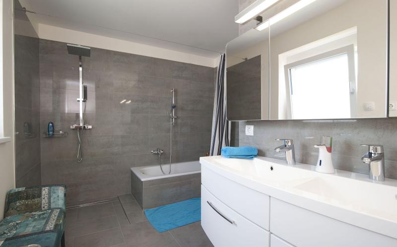 Geräumiges Einfamilienhaus mit Vollunterkellerung und Eigengrund samt 2 Parkplätzen. Provisionsfrei! /  / 2325Himberg - Velm / Bild 5