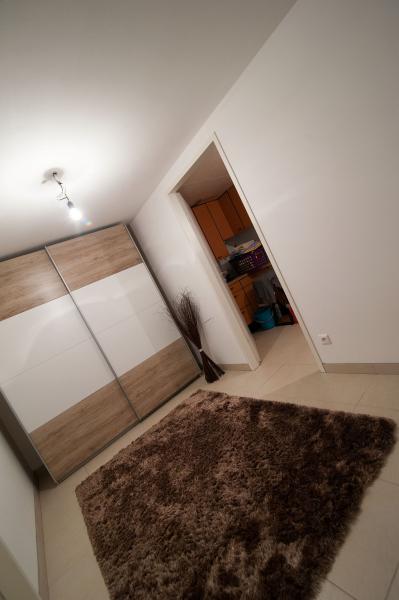 Ziegel-Massiv Doppelhaushälfte mit 4 Zimmern, Keller, Terrasse, Eigengarten und 2 Parkplätzen. Provisionsfrei. /  / 2100Korneuburg / Bild 6