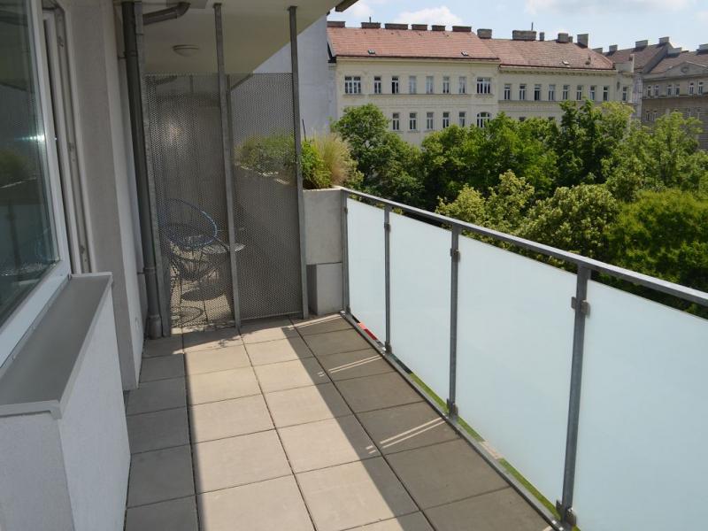 ZENTAGASSE, SONNIGE 52 m2 NEUBAU MIT 11 m2 Balkon, 2 Zimmer, Komplettküche, Wannenbad; Parketten; 5. Liftstock