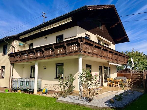 Großzügiges Wohnhaus in Regau /  / 4844Regau / Bild 1