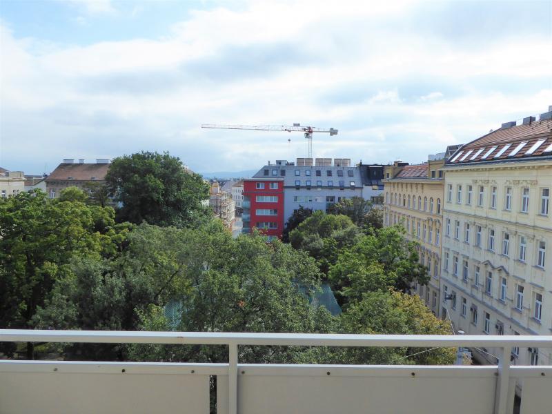 2-Zimmer Retro Wohnung mit Schneebergblick /  / 1140Penzing / Bild 0